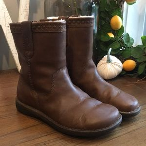 UGG Aliso Men's Leather Boots Size 11